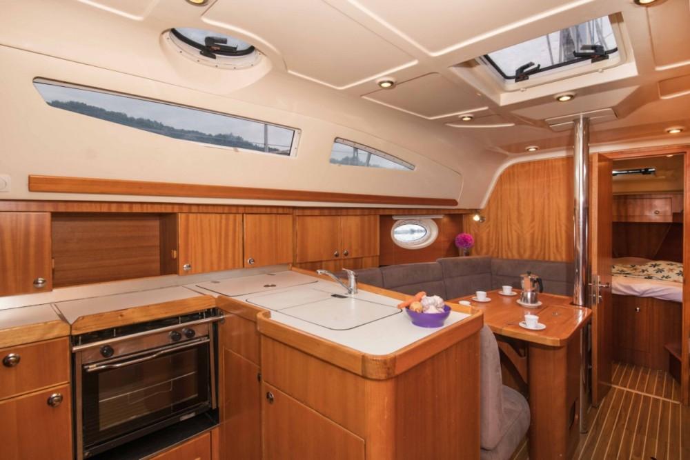 Rental Sailboat in Grad Pula - Elan Elan 34