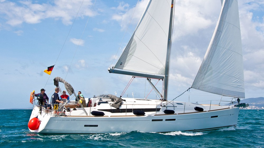 Rental Sailboat in Can Pastilla - Jeanneau Sun Odyssey 439