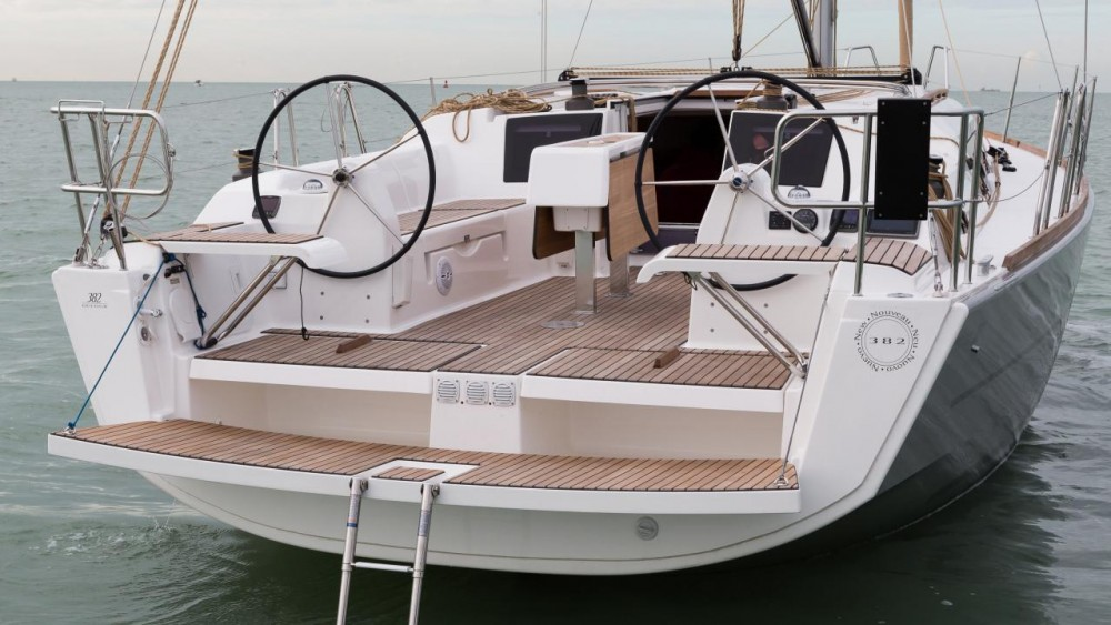 Sailboat for rent Horta Marina at the best price