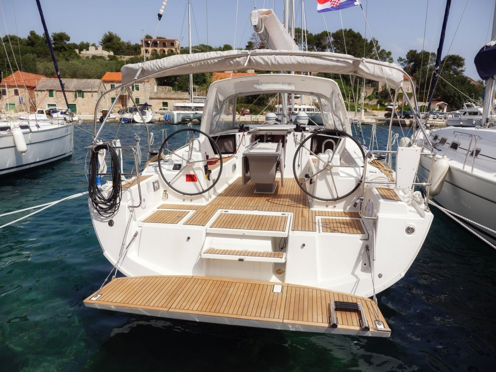 Rental Sailboat in Rogač - Bénéteau Oceanis 41.1