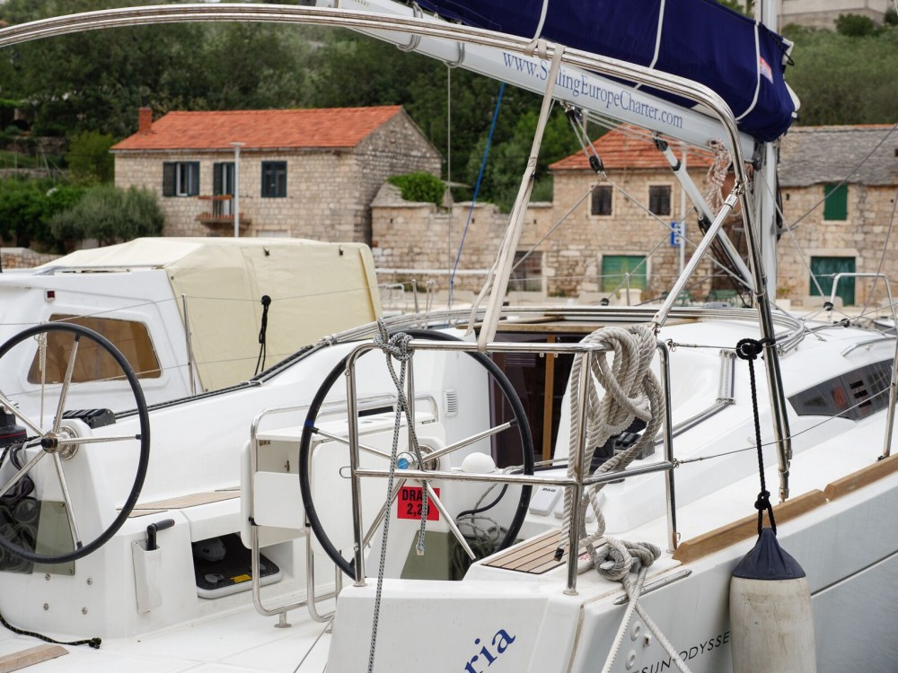 Hire Sailboat with or without skipper Jeanneau Rogač