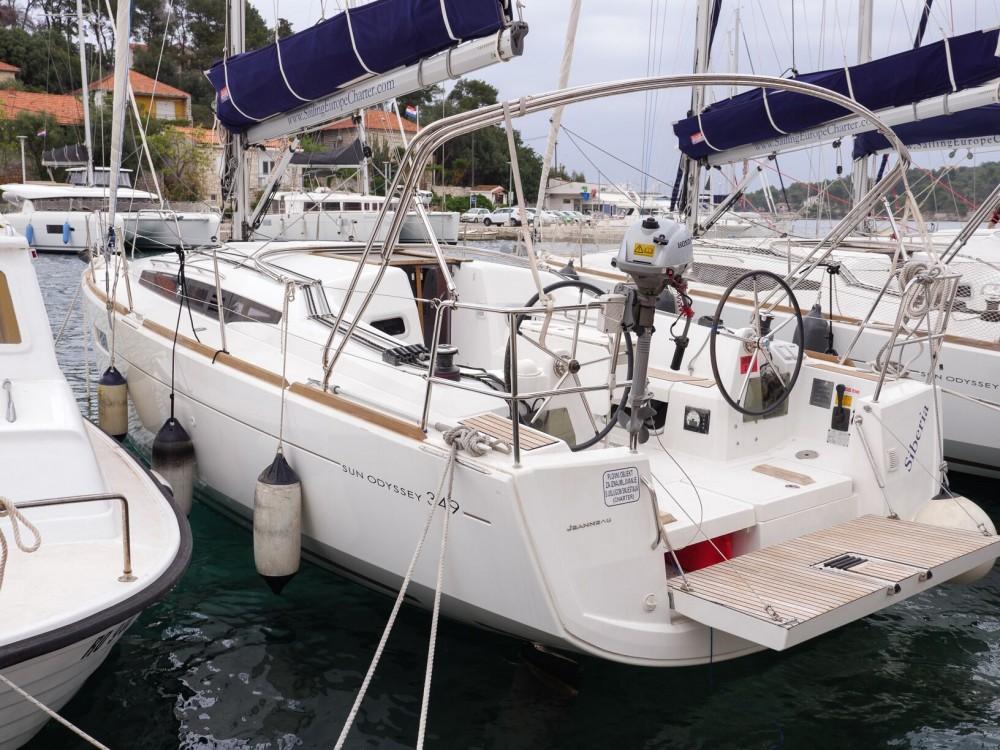 Rental yacht Rogač - Jeanneau Sun Odyssey 349 on SamBoat