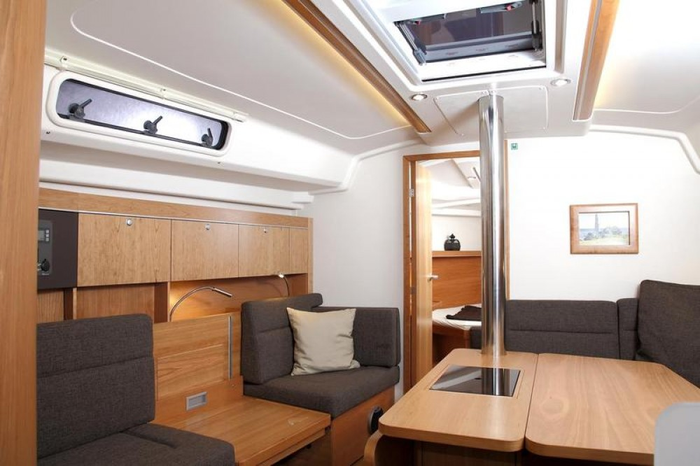 Hire Sailboat with or without skipper Hanse Milas