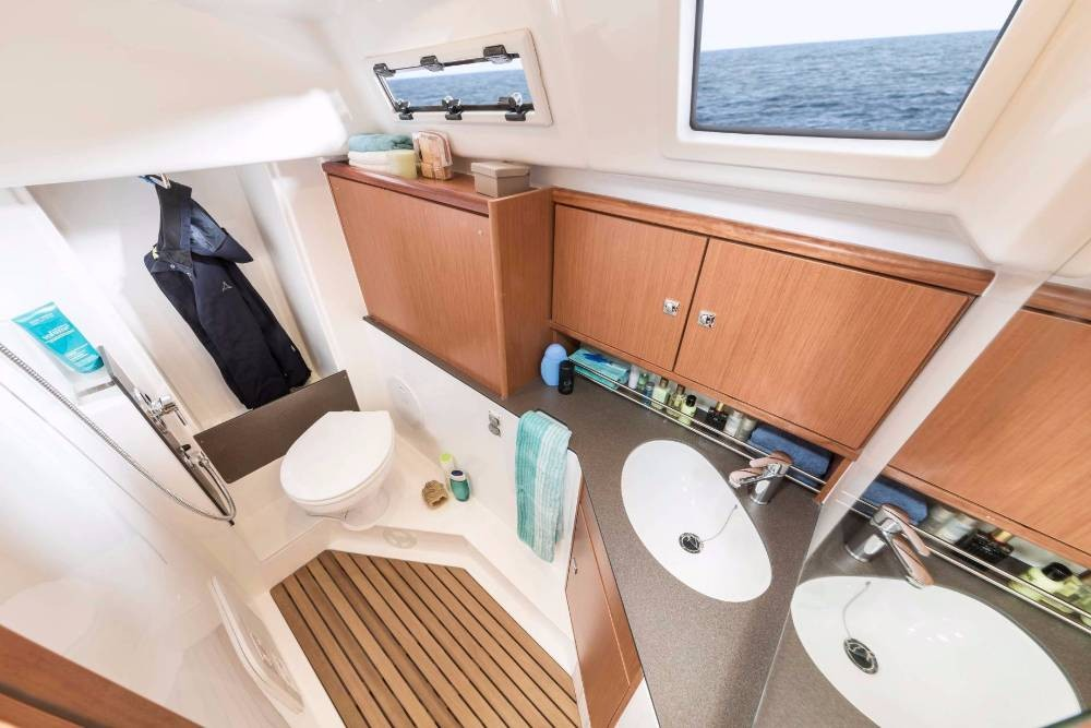 Rent a Bavaria Bavaria Cruiser 34 Split
