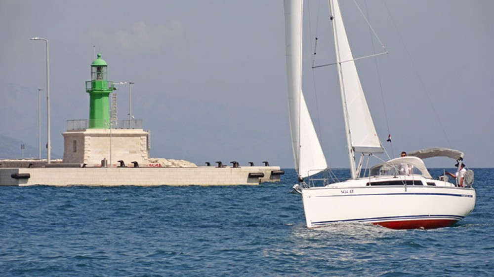 Boat rental Bavaria Cruiser 34 in  on Samboat