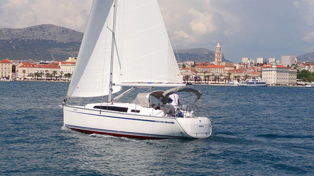 Rental yacht  - Bavaria Cruiser 34 on SamBoat