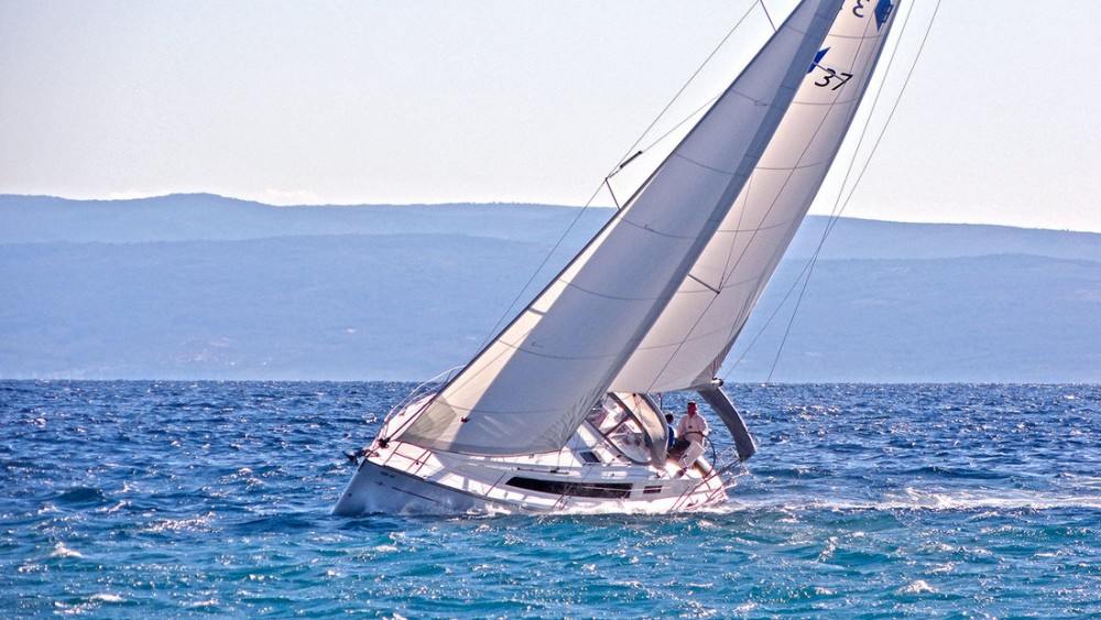 Boat rental Bavaria Cruiser 37 in Split on Samboat
