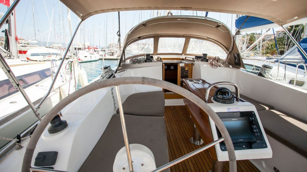 Boat rental Bavaria Bavaria Cruiser 41 - 3 cab. in  on Samboat