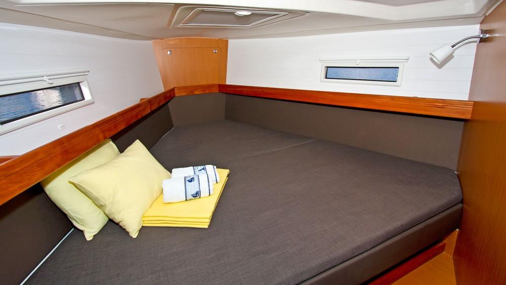 Boat rental  cheap Bavaria Cruiser 41 - 3 cab.
