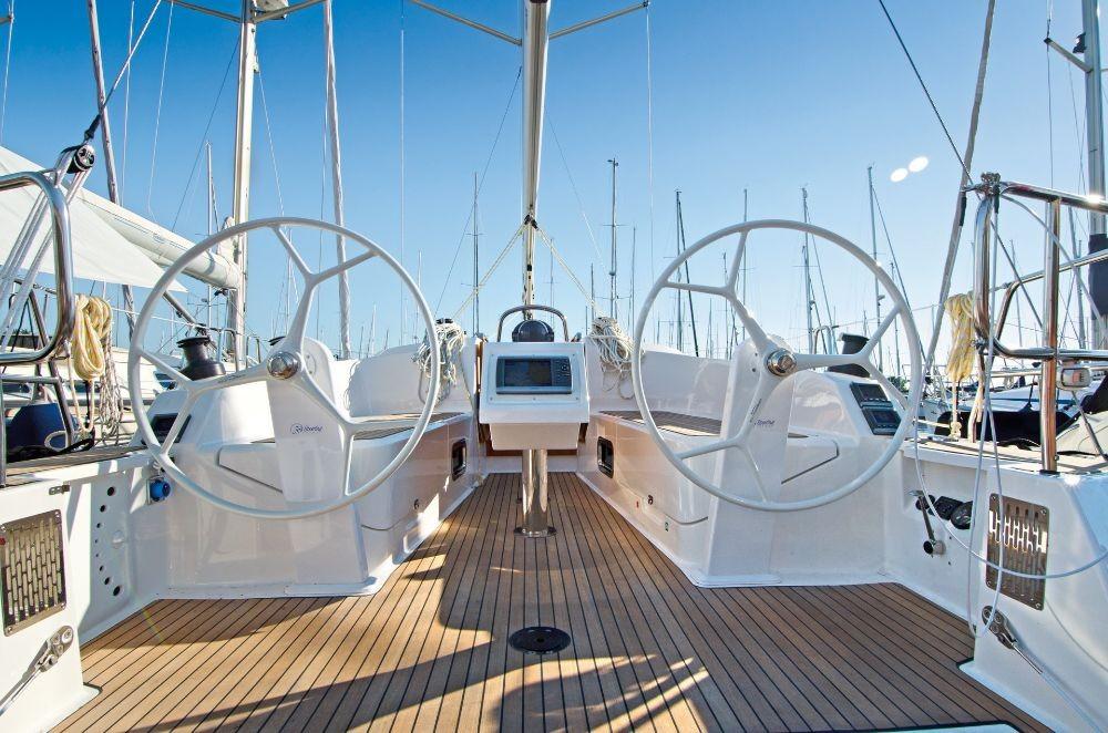 Rental Sailboat in Peloponnese - Bavaria Cruiser 37