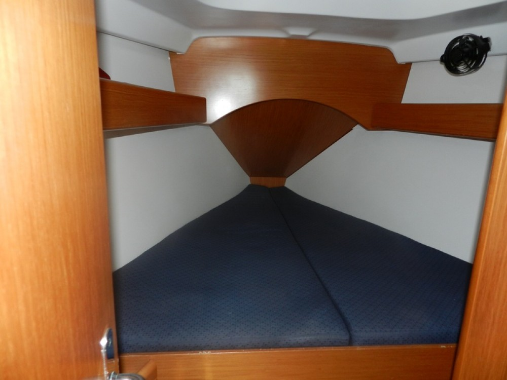 Boat rental Bénéteau Cyclades 39.3 in Lefkada on Samboat