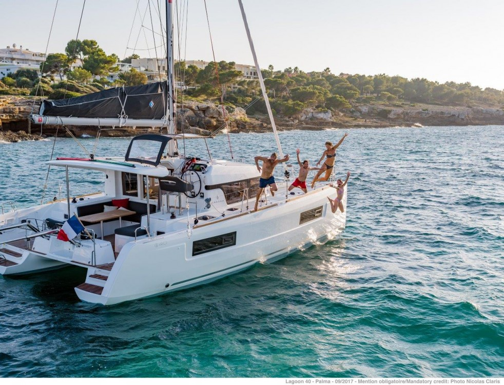 Rental Catamaran in Peloponnese - Lagoon Lagoon 40 - 4 + 2 cab