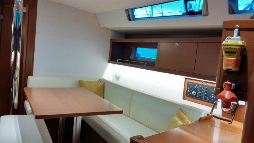 Rental yacht Peloponnese - Bénéteau Oceanis 45 on SamBoat
