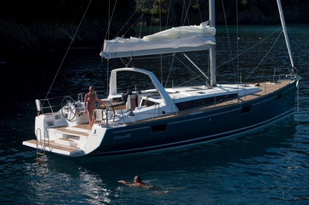 Bénéteau Oceanis 48 - 5 cab. between personal and professional Peloponnese