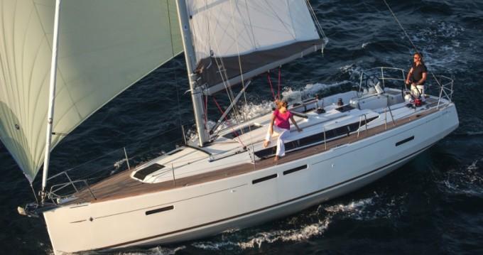 Rental Sailboat in Alimos - Jeanneau Sun Odyssey 419