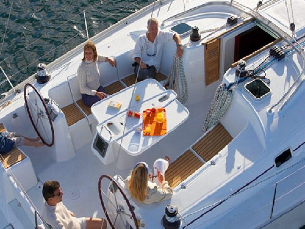 Boat rental Bénéteau Cyclades 50.5 - 5 + 1 cab. in Anzio on Samboat