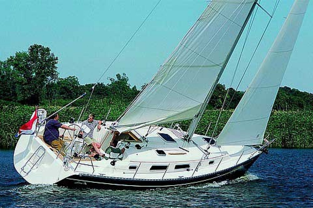 Hire Sailboat with or without skipper Hanse Anzio