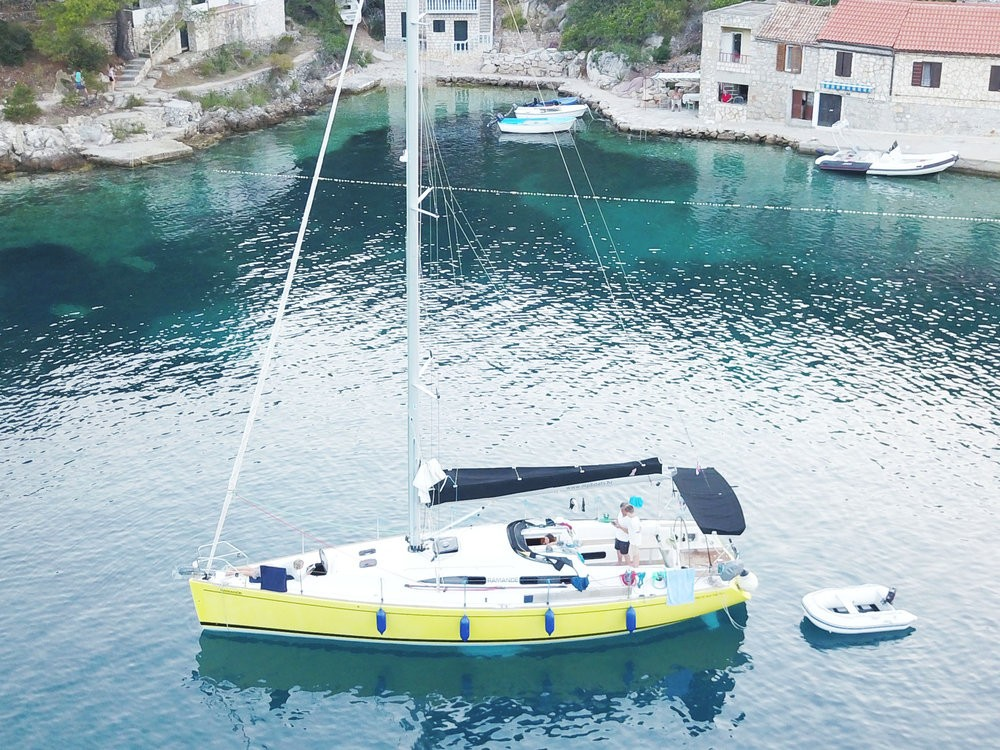 Boat rental Salona Salona 42 in Croatia on Samboat