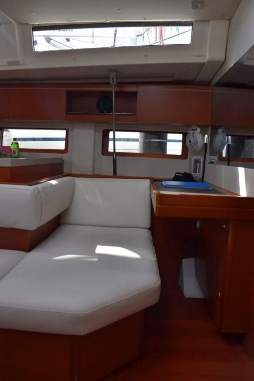 Boat rental Bénéteau Oceanis 51.1 in Peloponnese on Samboat