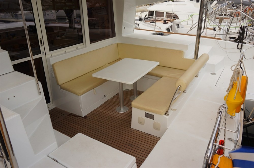 Boat rental Lagoon Lagoon 400 S2 in Peloponnese on Samboat