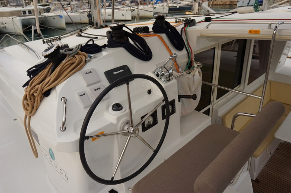Rental Catamaran in Peloponnese - Lagoon Lagoon 400 S2