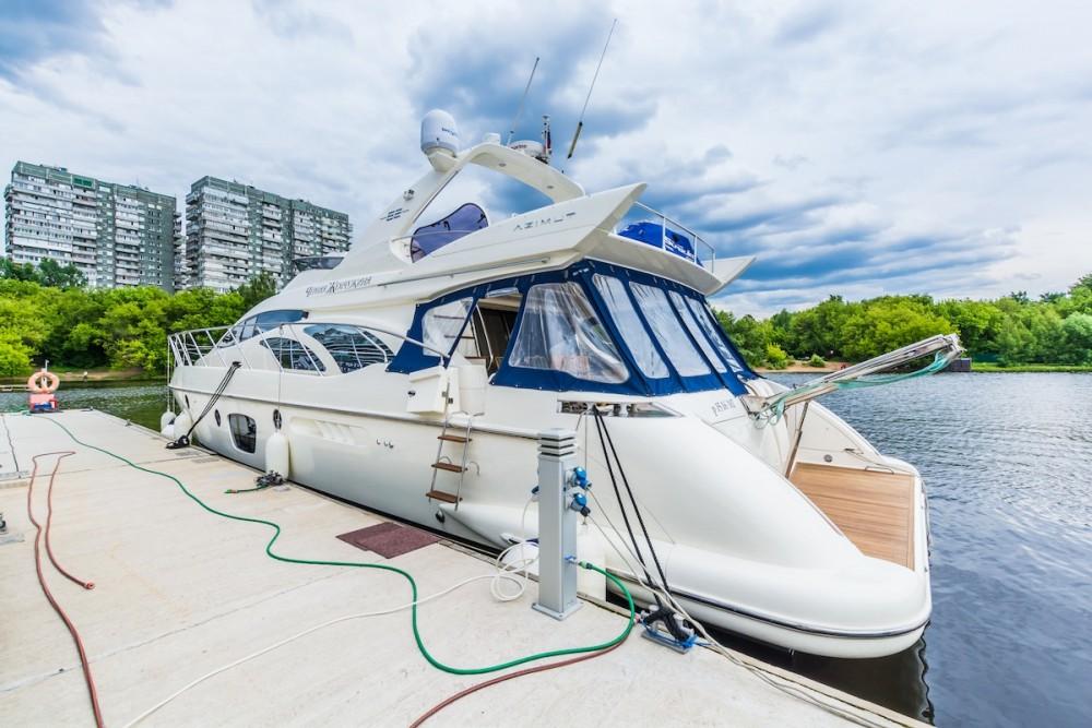 Boat rental Azimut-Benetti-Yachts Azimut 62 - 4 cab. in Pyrohiv on Samboat