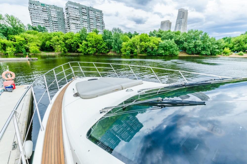 Rental Motor boat in Pyrohiv - Azimut-Benetti-Yachts Azimut 62 - 4 cab.