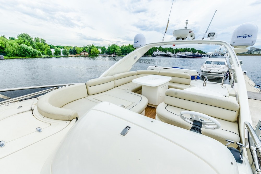 Rental yacht Pyrohiv - Azimut-Benetti-Yachts Azimut 62 - 4 cab. on SamBoat