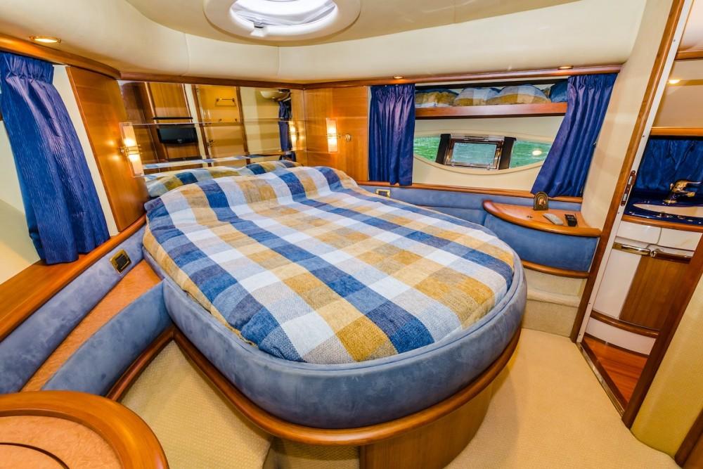 Boat rental Pyrohiv cheap Azimut 62 - 4 cab.