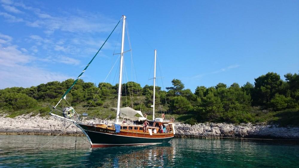 Rental Sailboat in Croatia -  Vila Vrgade