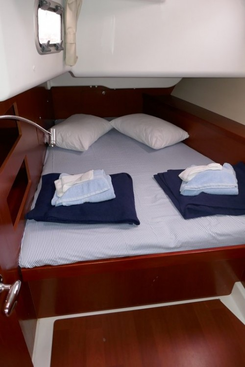 Boat rental Bénéteau Oceanis 50 in Peloponneso on Samboat