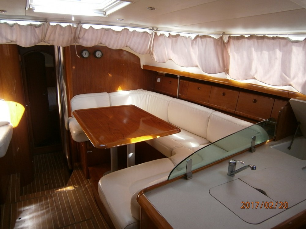 Jeanneau Sun Odyssey 43 DS between personal and professional Peloponnese