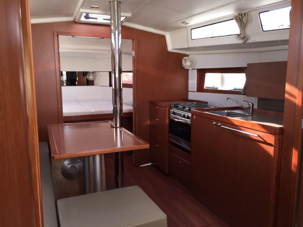 Rental yacht Palermo - Bénéteau Oceanis 38.1 on SamBoat