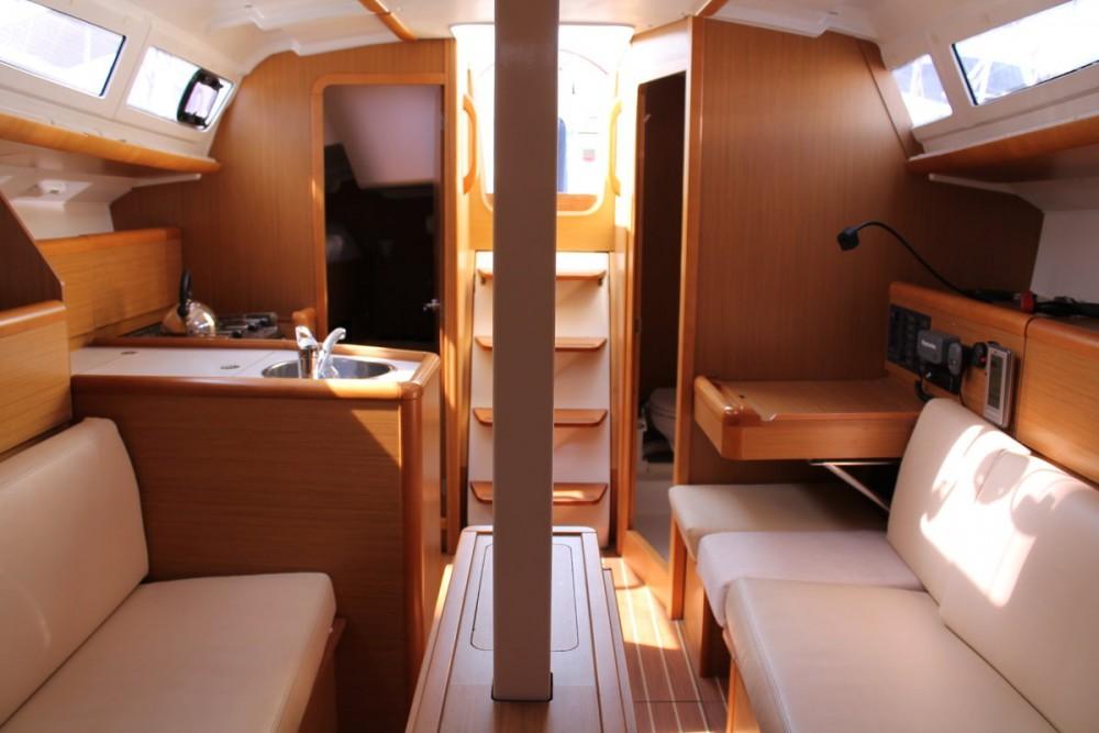 Rental yacht Marsala - Jeanneau Sun Odyssey 33i on SamBoat