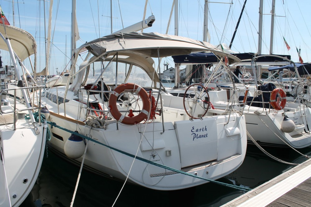Boat rental Jeanneau Sun Odyssey 439 in Furnari on Samboat