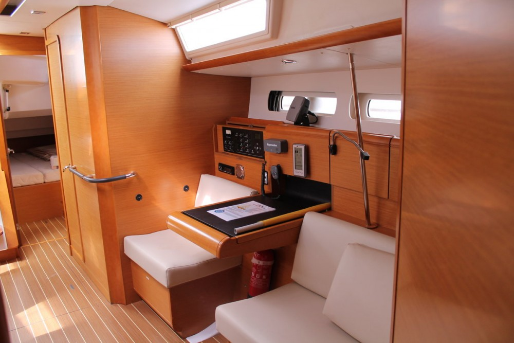 Rental Sailboat in Furnari - Jeanneau Sun Odyssey 439