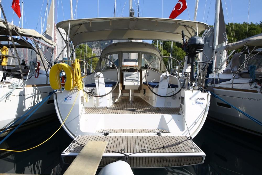 Boat rental Bavaria Cruiser 37 in Göcek on Samboat