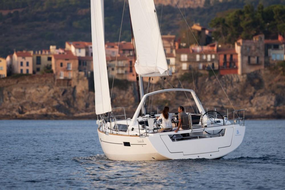 Rental yacht Göcek - Bénéteau Oceanis 41 on SamBoat