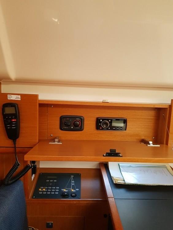 Boat rental Bavaria Bavaria Cruiser 51 in Trogir on Samboat