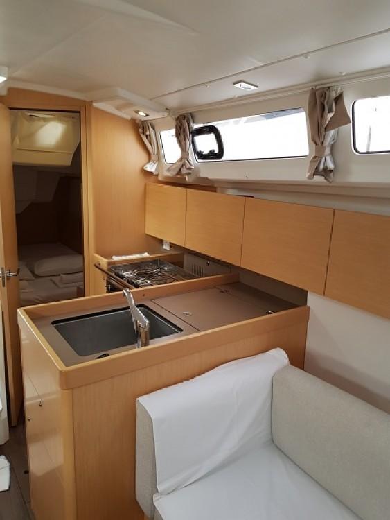 Boat rental Bénéteau Oceanis 35.1 in Trogir on Samboat