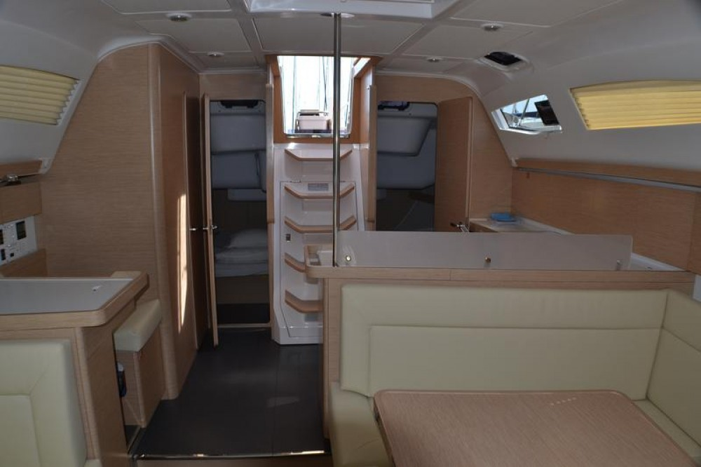 Sailboat for rent Općina Sukošan at the best price