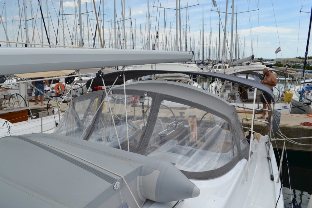 Rental Sailboat in  - Hanse Hanse 415