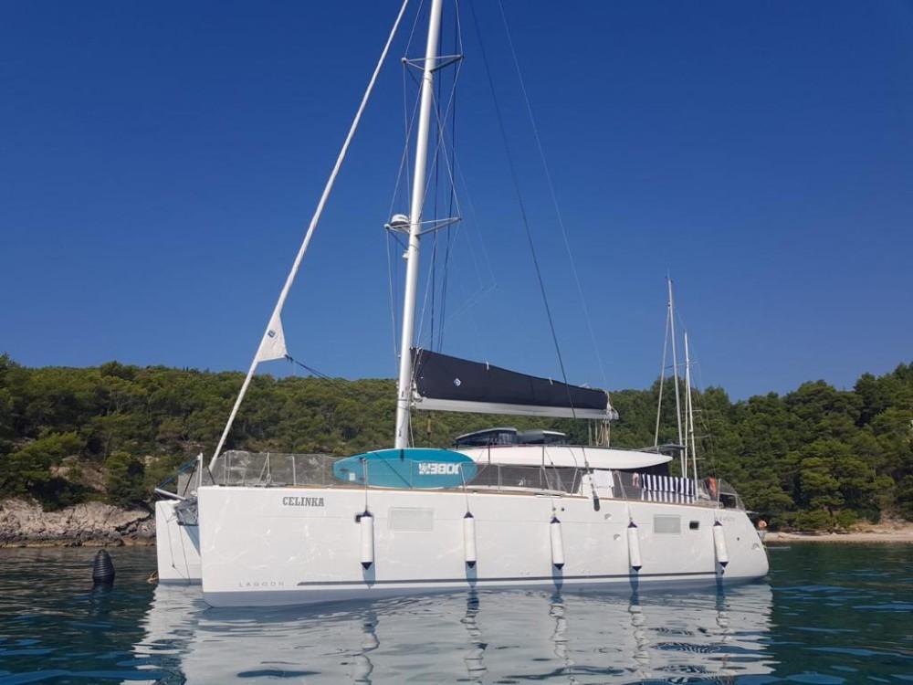 Boat rental Lagoon Lagoon 450 S - 4 + 2 cab. in Croatia on Samboat