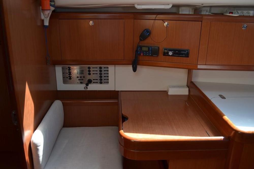 Rental yacht Općina Sukošan - Bénéteau Oceanis 40 on SamBoat