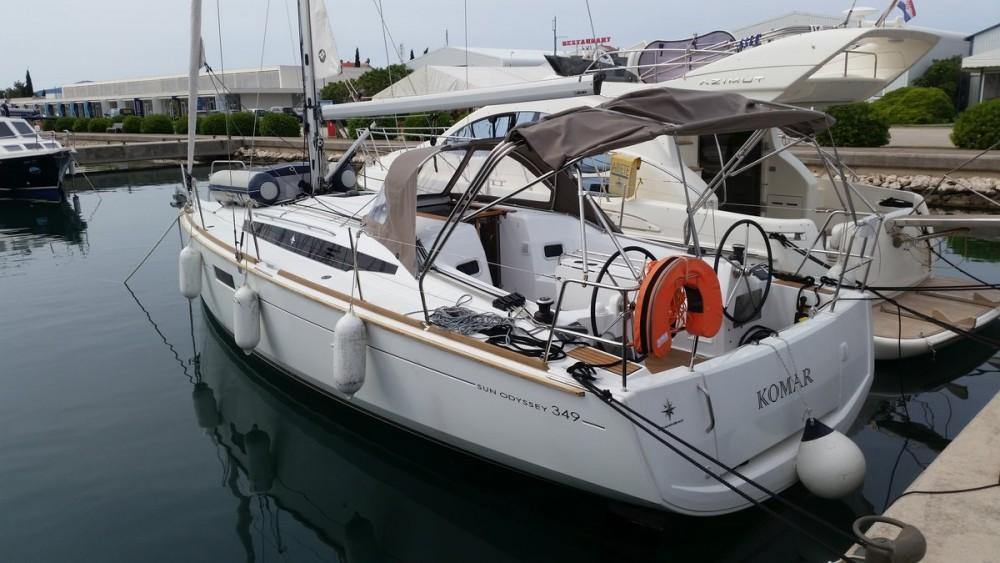 Boat rental Jeanneau Sun Odyssey 349 in Općina Sukošan on Samboat