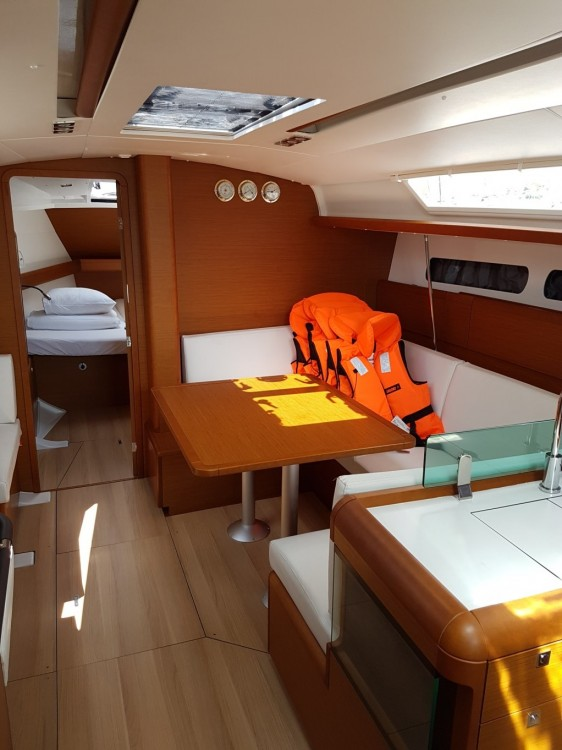 Rental Sailboat in Croatia - Jeanneau Sun Odyssey 419