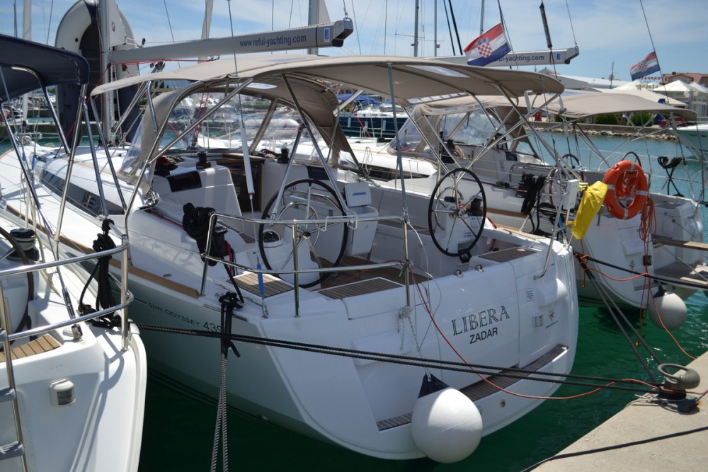 Sailboat for rent Općina Sukošan at the best price
