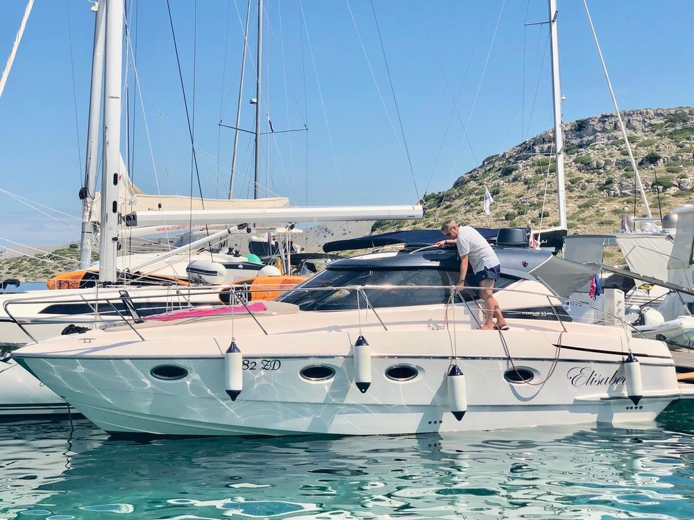 Rental Motorboat Focus Motor Yachts with a permit