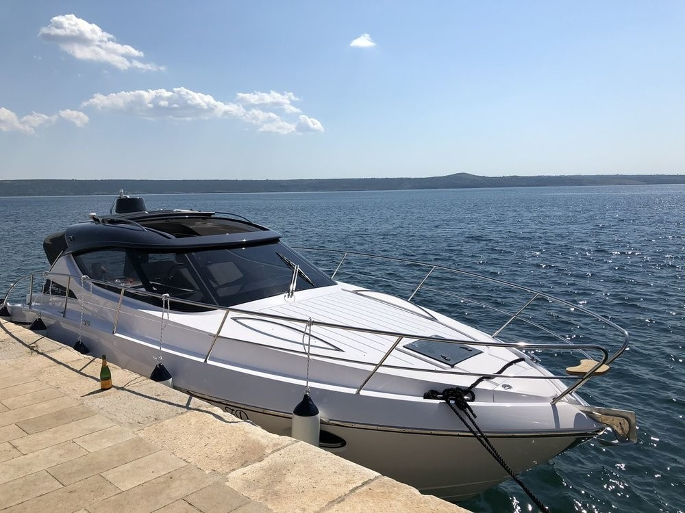Boat rental Grad Zadar cheap Focus Power 33 Hard Top