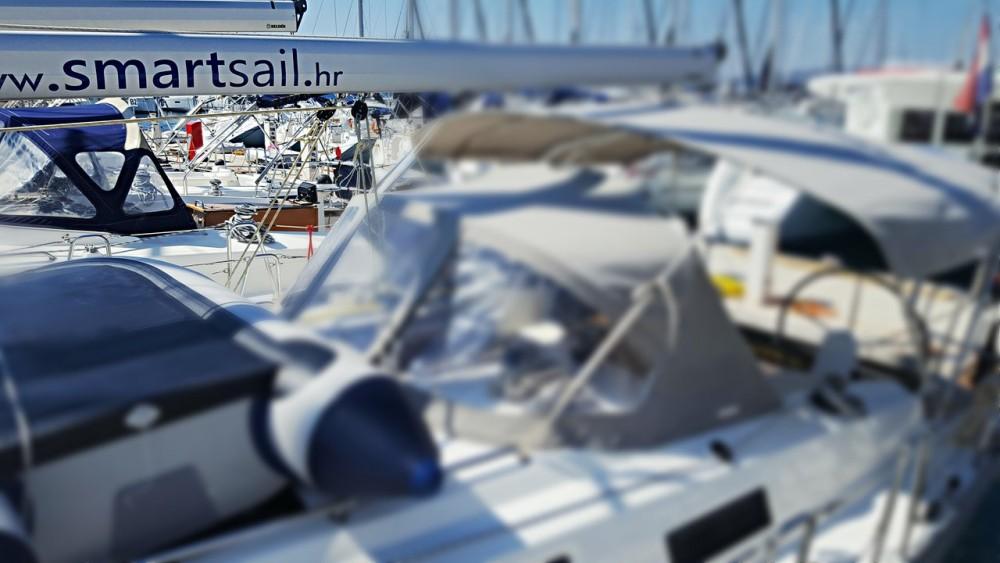 Rental Sailboat in Primorsko-Goranska Županija - Bavaria Cruiser 37